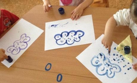Конспект занятия по рисованию в первой младшей группе «Осень»