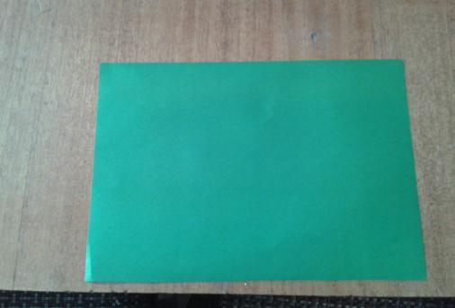 8. Из зедёной бумаги при помощи трафарета – цифры, вырезать цифры - 23